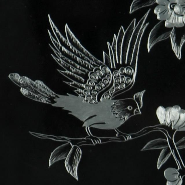 تابلو خراش فلز «دو پرنده و گلهای پنج پر»